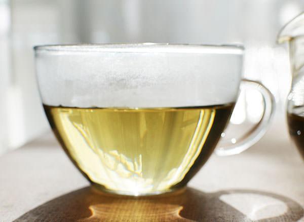 ティーポットで入れたごぼう茶の味