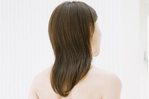 女性の薄毛・抜け毛の原因と治療・ケア方法・対策