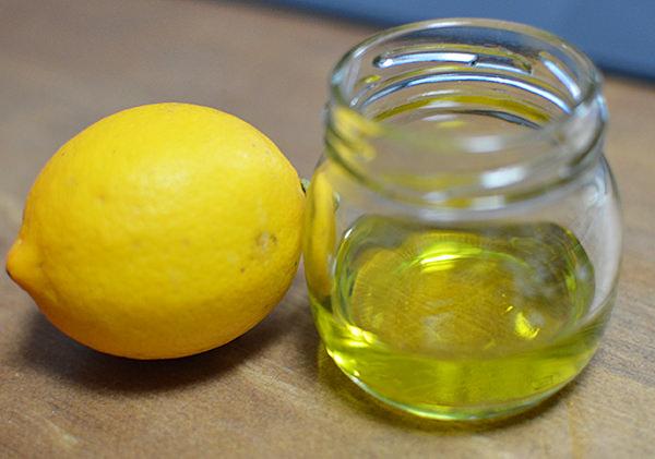 オリーブオイル+レモン汁ヘアパック