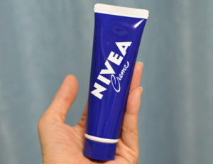 handcream_nivea_hontai