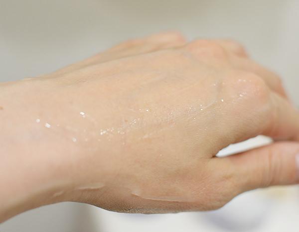 ハトムギ保湿ジェルは伸びが良い