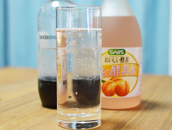 桃の酵素水を炭酸水で割ってみました