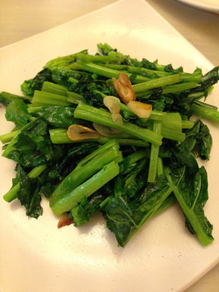 にんにくとかき菜のラー油炒め