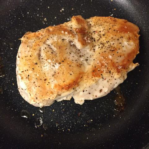 鶏のムネ肉のグリル入りピタパン