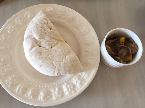 ガーリックマッシュルームピタパン