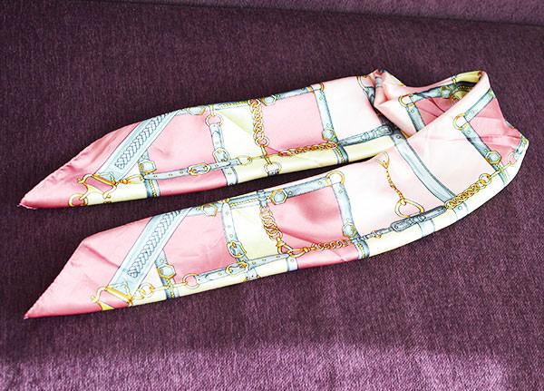 基本的なスカーフの折り方