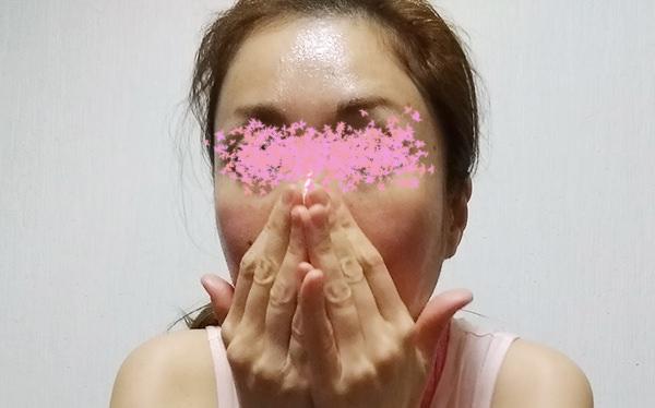 白ごま油でお顔のマッサージ