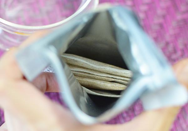ティーライフたんぽぽ茶はチャック付きのパック
