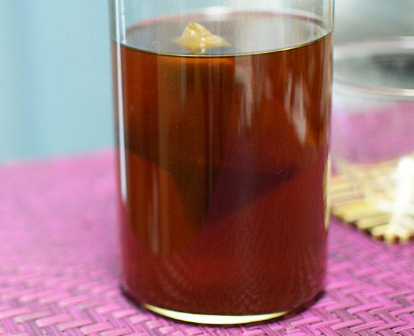 ティーライフたんぽぽ茶の色