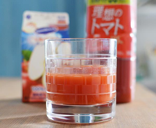 トマトジュース+りんごジュース