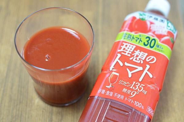 伊藤園 理想のトマト 900gペットボトル製品